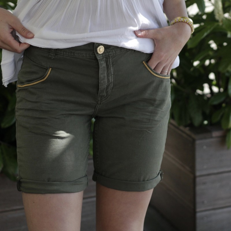 Nelly Block Shorts - Mos Mosh