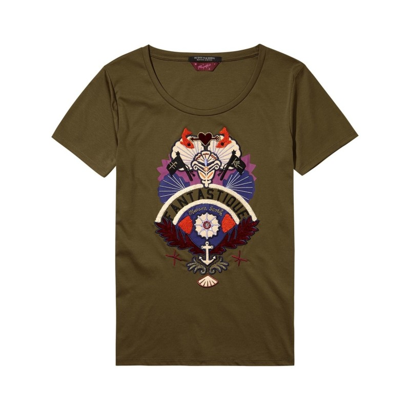 Tee with special graphic
