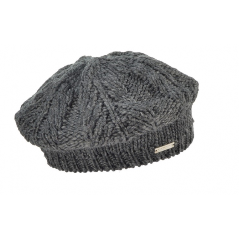 beret with basic cable structure